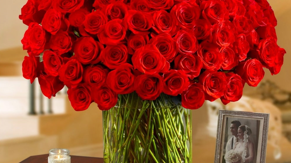 Save up to 40% with excellent Valentine's Day flower delivery deals
